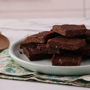 No-Bake Vegan Date Brownies