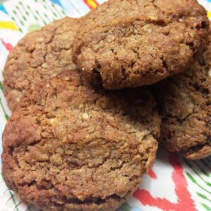 Healthier Soft Oatmeal Cookies
