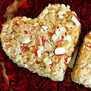 Peppermint Rice Crispies Squares