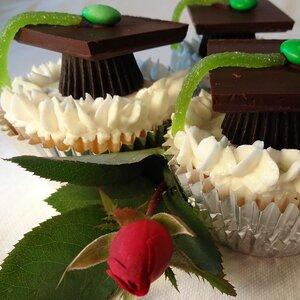 Grad Cupcakes