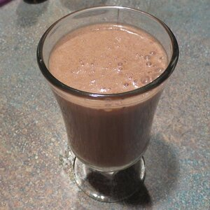 Banana and Brazil Nut Breakfast Smoothie