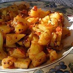 Aloo Gobi ki Subzi (Potatoes and Cauliflower)