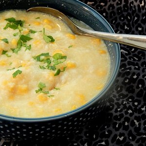 Slow Cooker Chicken and Corn Congee