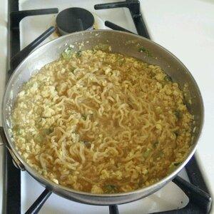 Low-Cholesterol Egg Drop Noodle Soup