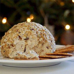 Traditional Christmas Cheese Ball