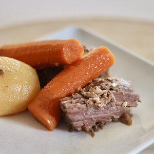 Slow Cooker Beef and Veggies