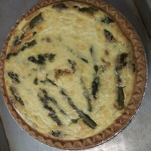 Easy Salmon and Asparagus Quiche