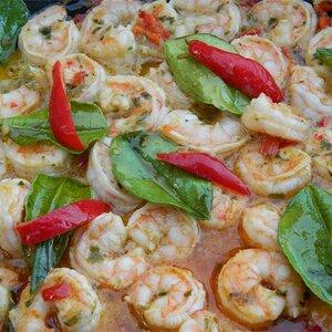 Grilled Prawns with Garlic-Chili Sauce