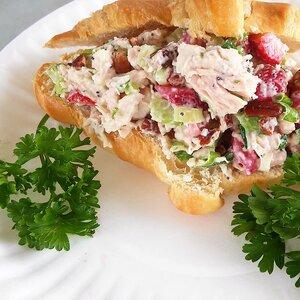 Strawberry Chicken Salad for Sandwiches