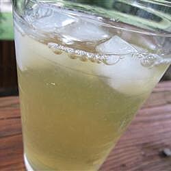 Limonada mineral con té verde
