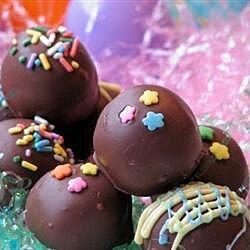 Bolitas de cacahuate cubiertas de chocolate