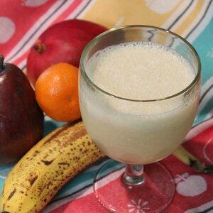 Licuado de plátano y naranja