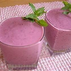 Licuado de yogurt con cinco frutas