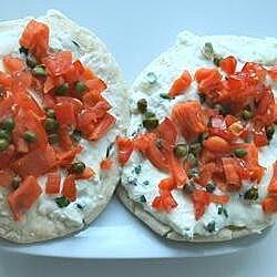 Mini pizzas de salmón ahumado