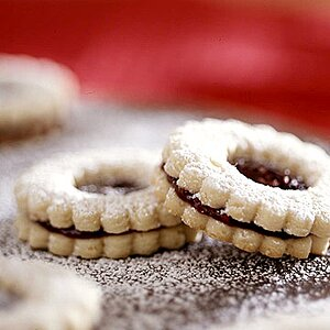 Linzer Cookie Tarts