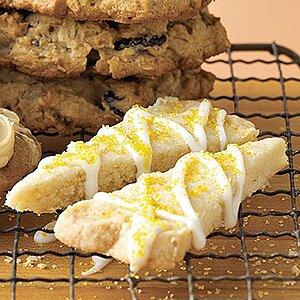 Lemon on Lemon Shortbread Cookies