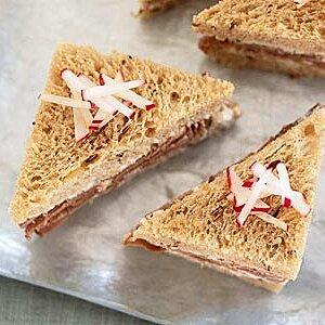Roast Beef Tea Sandwiches with Horseradish Cream