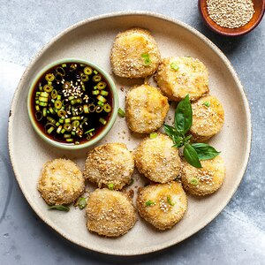 Crispy Scallops with Soy Dipping Sauce