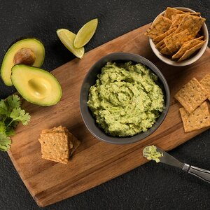 Green Goddess Guacamole with Crackers