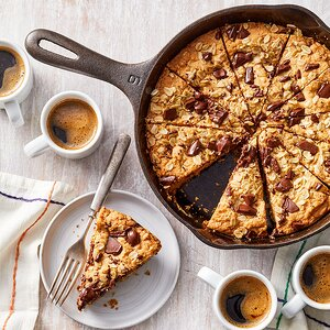 Peanut Butter-Chocolate Chip Skillet Cookie