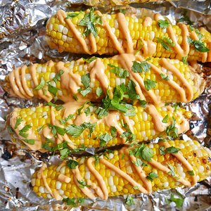 Foil-Packet Corn with Sriracha-Mayo Drizzle