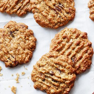 Oatmeal-Peanut Butter Cookies with Dates