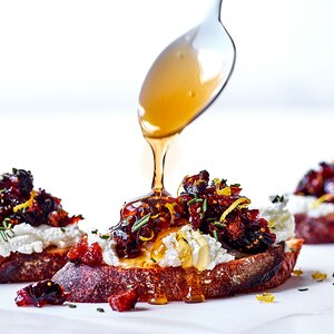 Goat Cheese Crostini with Fig Compote