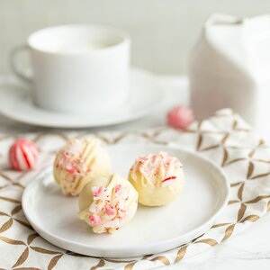 Peppermint White Hot Chocolate Bombs