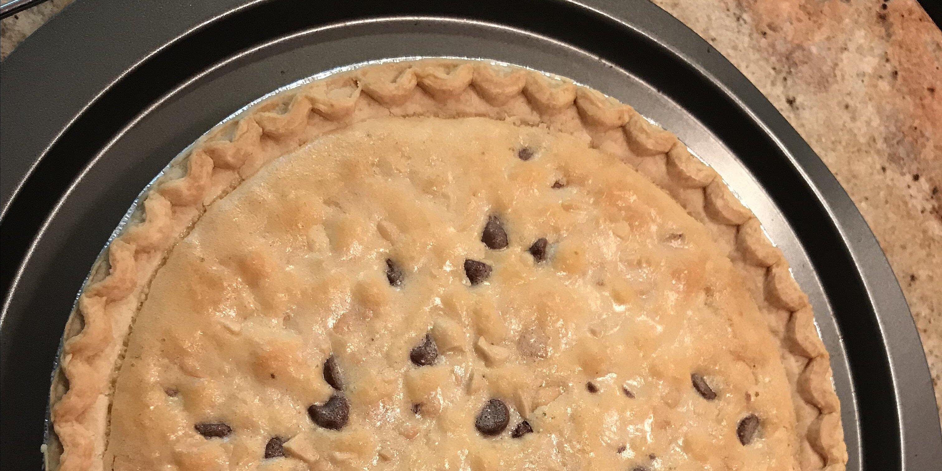 super easy peanut chocolate chip cookie pie recipe