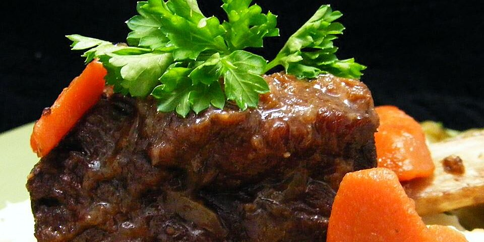 smothered beef short ribs recipe