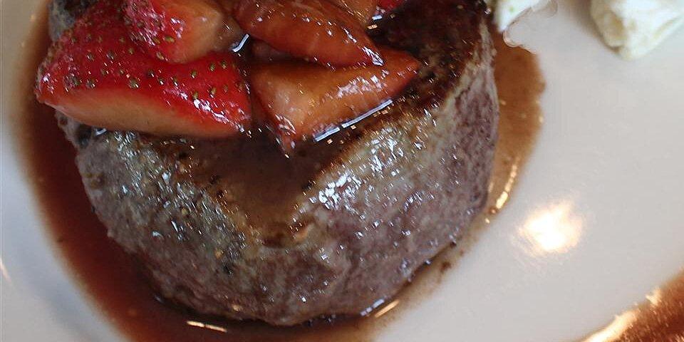 filet mignon and balsamic strawberries recipe