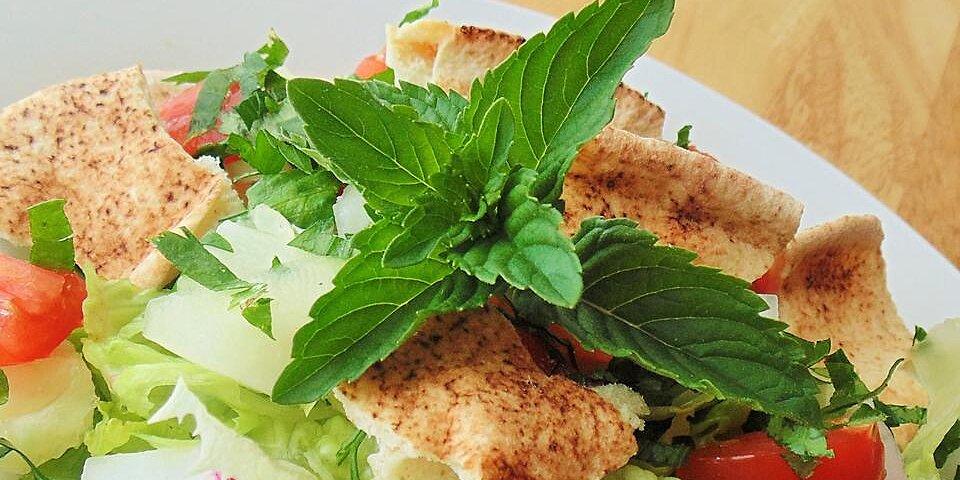 lebanese fattoush bread salad recipe