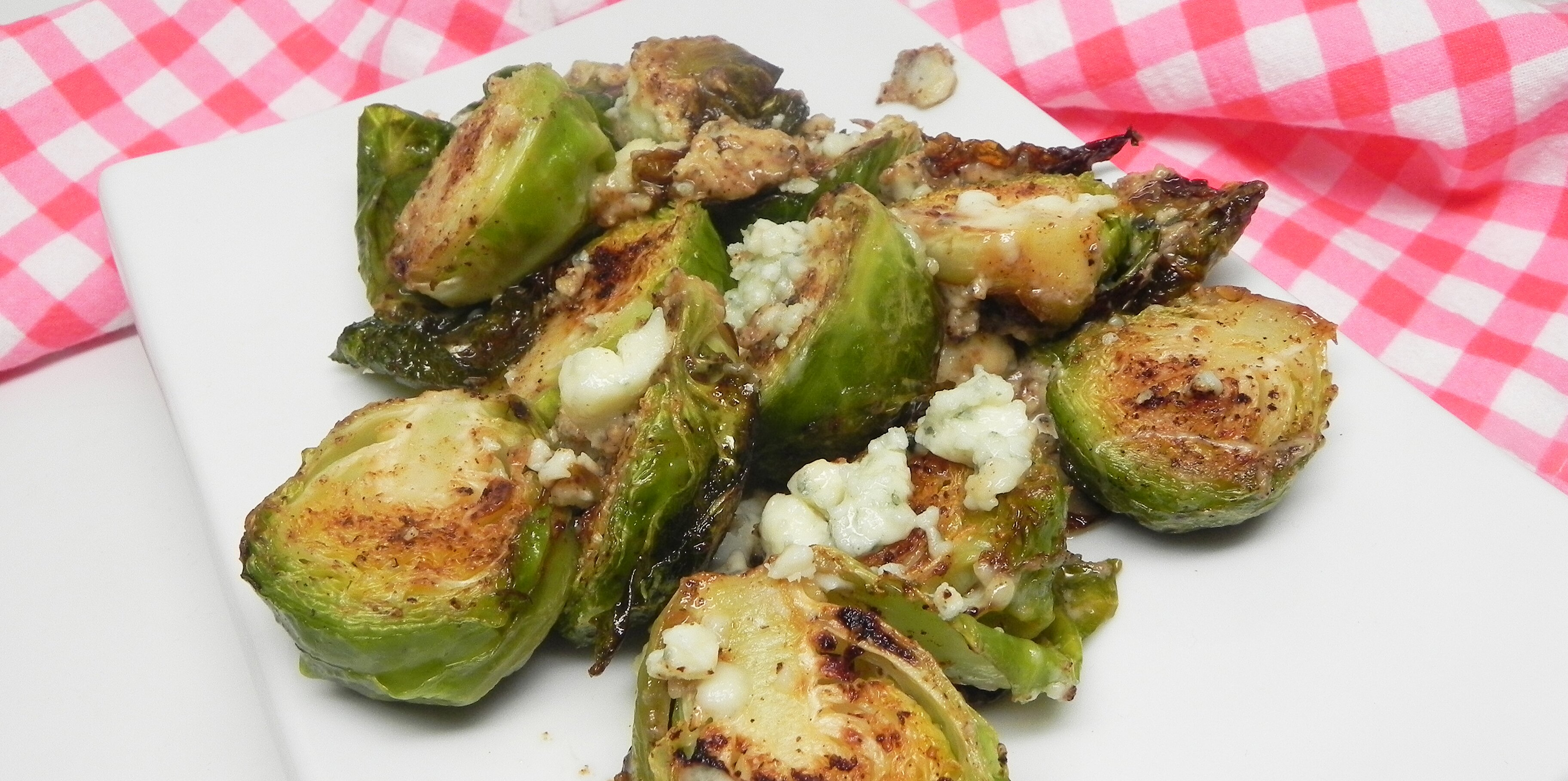 quick and easy pan roasted brussels sprouts with gorgonzola