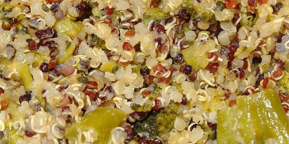cheesy broccoli quinoa recipe