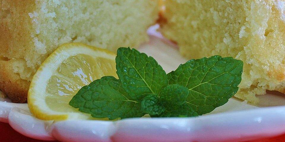 lemon buttermilk pound cake with aunt evelyns lemon glaze