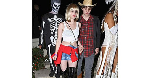 Emma Roberts Does Pretty Woman For Halloween Photo Ew Com