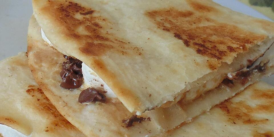 dessert quesadillas with peanut butter chocolate and