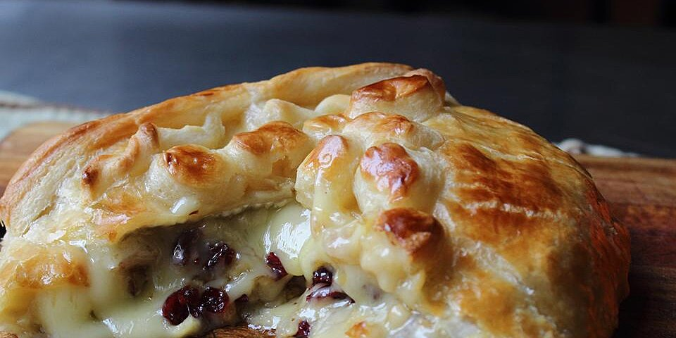 baked stuffed brie with cranberries walnuts