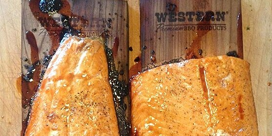 how to plank grill for subtle smoky bbq flavors