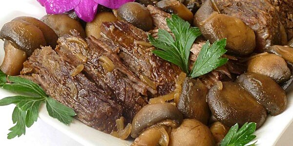 7 Melt-In-Your-Mouth Slow Roast Beef Recipes for the Slow Cooker