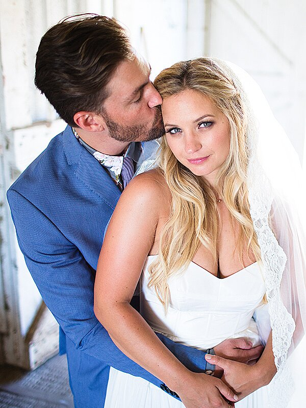 Photos Pretty Little Liars Vanessa Ray Wore A Crop Top Wedding