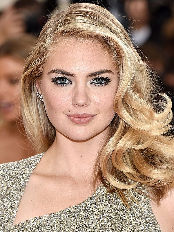How To Get Kate Upton S Perfect Smoky Eye In 10 Seconds People Com