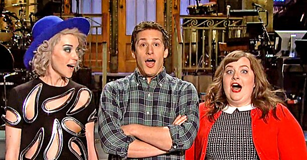 Andy Samberg And St Vincent Close Out Snl How D They Do Ew Com