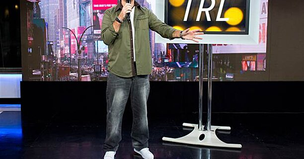 Today Costumes Carson Daly Brings Trl Look Back For Halloween