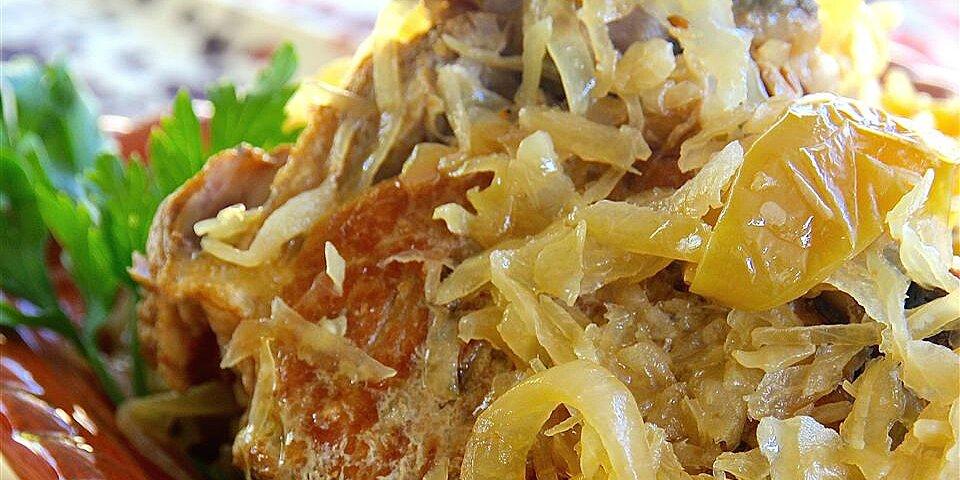 slow cooker pork and sauerkraut with apples recipe