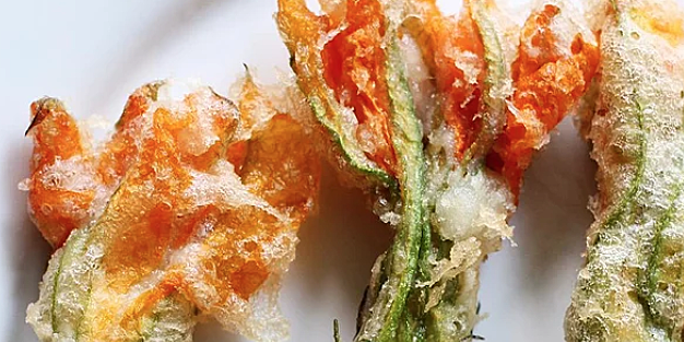 8 squash blossom recipes to make with fresh summer produce