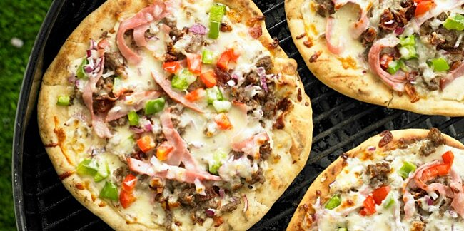 10 grilled pizza recipes your family will love
