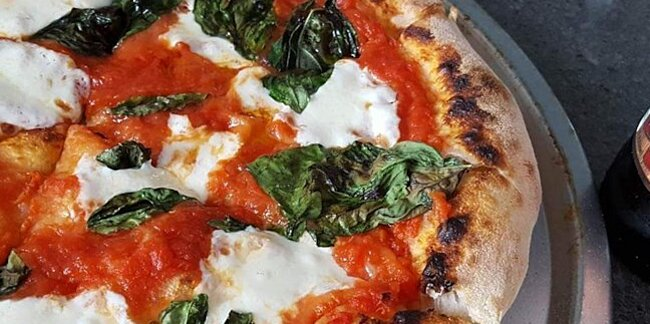 how to make pizza at home thats better than takeout