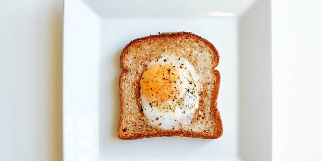 6 outrageous ways to an eat egg in a hole