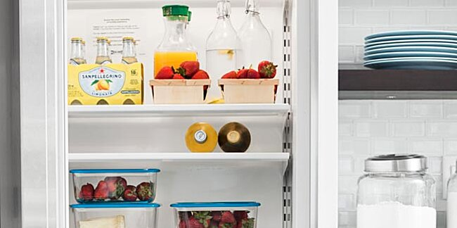 How to Clean Your Fridge in 5 Easy Steps